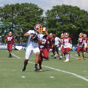 Jordan Reed makes a move in front of DeAngelo Hall. (Photo by Jake Russell)