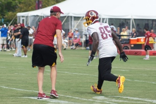 Tight end Vernon Davis goes through drills. (Photo by Jake Russell)