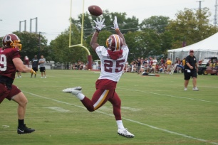 Running back Chris Thompson prepares to make a catch. (Photo by Jake Russell)